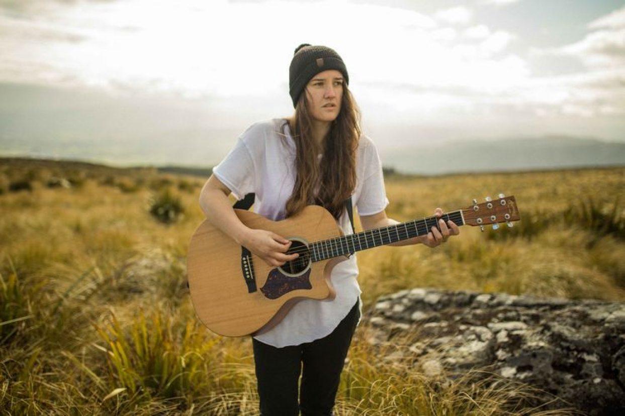 Abby Wolfe releases video for debut single 'Breakdown'
