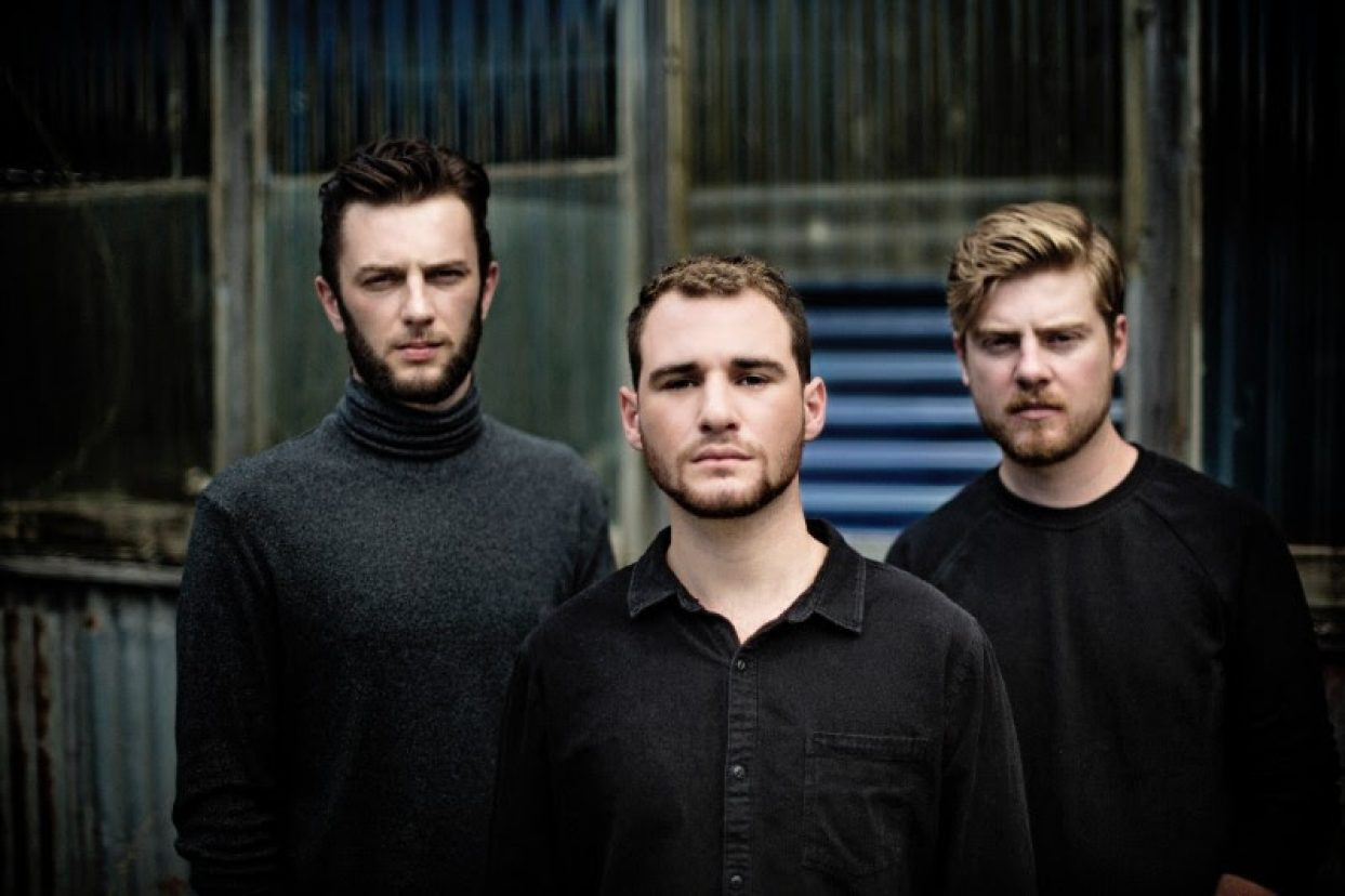 ALAE RELEASE ACOUSTIC VERSION OF SMASH HIT 'TOO STRUNG UP'